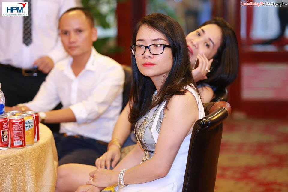 Bà Đặng Thị Hải Hà Số 28 Trần Nguyên Hãn, P. Cát Dài, Q. Lê Chân, Hải Phòng.